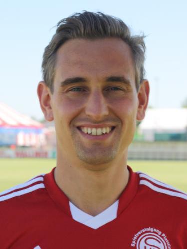Tobias Dezelak